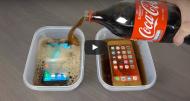 ¿Qué pasa si sumergimos un Galaxy y un Iphone enCocaCola?